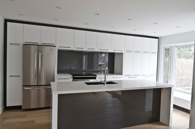 Ikea abstrakt white custom modern kitchen toronto for Ikea kitchen modern white
