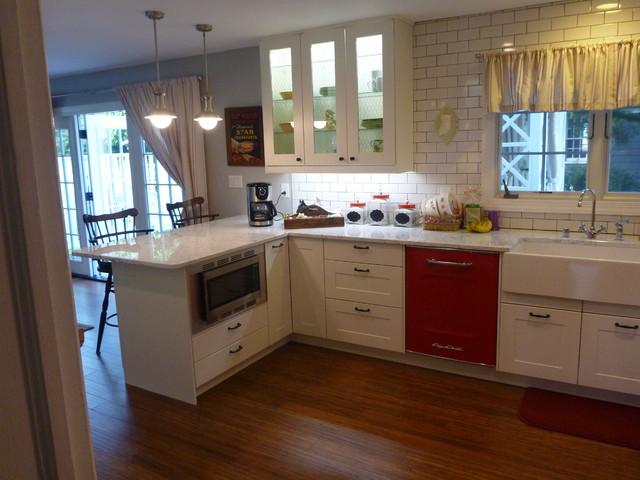 IKEA Adel White Eclectic - Classico - Cucina - New York - di Basic ...
