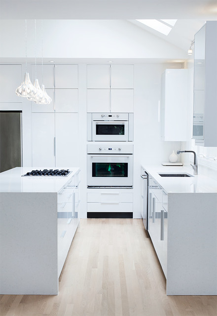 Ikea High Gloss White Kitchen by ModerNash of Nashville TN