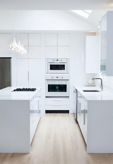 Ikea High Gloss White Kitchen by ModerNash of Nashville, TN ...