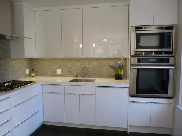 Ikea kitchen abstrakt white custom in manhattan minimalistisch
