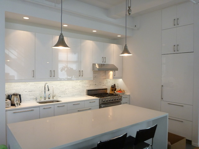 Ikea kitchen abstrakt white manhattan contemporary for Ikea kitchen modern white