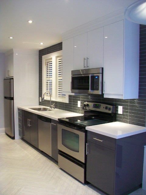 Ikea Kitchens Ringhult Gray And Ringhult White Minimalistisch Kuche Toronto Von Home Reborn Houzz