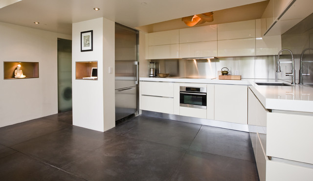 Tashjian Residence contemporary kitchen