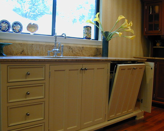 Independent Sink Workstation is Extra Deep -