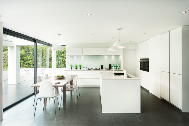 Large Minimalist Single Wall Gray Floor Eat In Kitchen Photo In Hampshire  With Flat