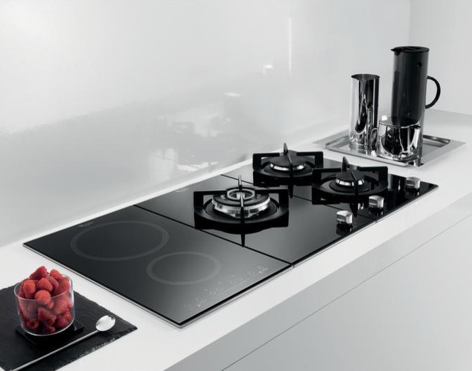 Induction Hob & Gas Hob - Contemporary - Kitchen - Singapore - by Whirlpool  Singapore
