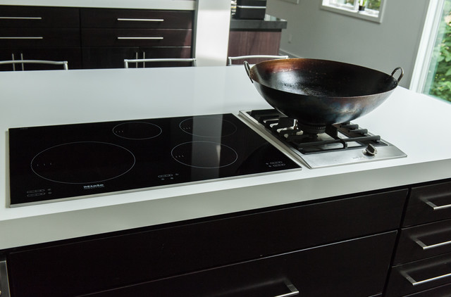 induction vs gas eclectic kitchen indianapolis by adam gibson design. Black Bedroom Furniture Sets. Home Design Ideas
