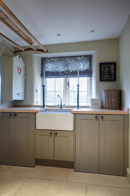 Inframe Shaker Kitchen Painted in Farrow and Ball Mouse\'s Back and ...