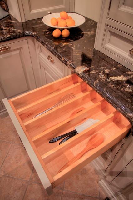 Inseft Frame Traditional Kitchen