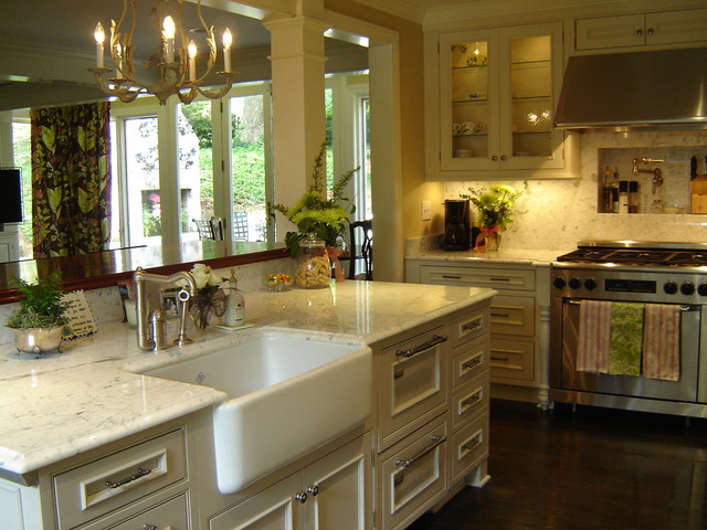 Inside The Beltline Raleigh Kitchen Remodel Classic Traditional Kitchen Raleigh By