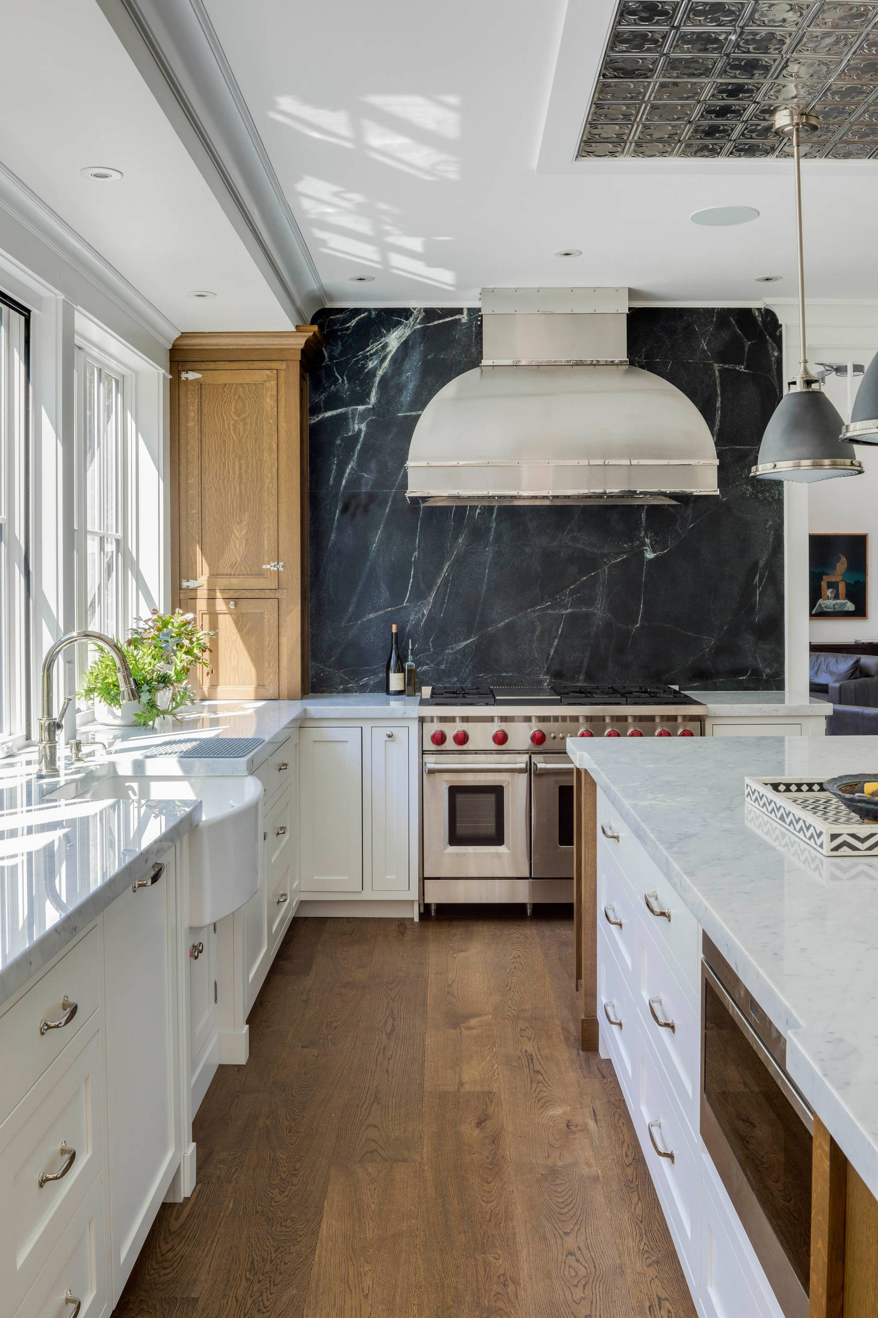 75 Beautiful Kitchen With Black Backsplash Pictures Ideas December 2020 Houzz