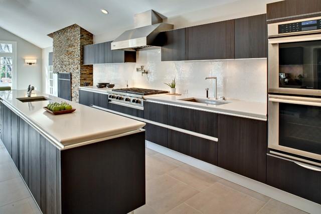 Installation of Idea in Larch Brown modern-kitchen
