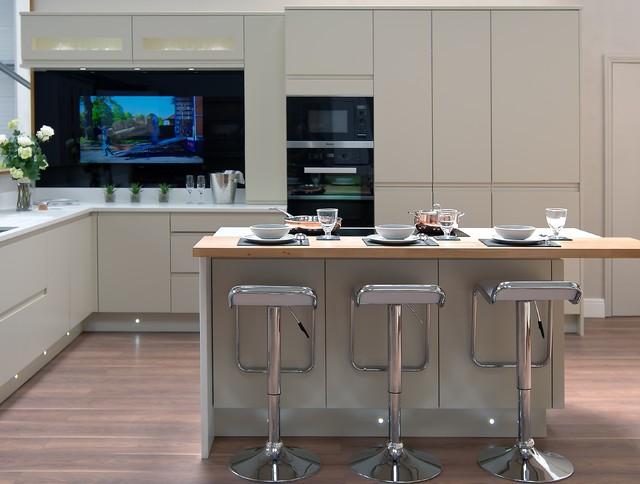 Integrated Tv In Kitchen Splashback Modern Kitchen