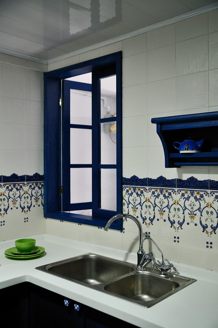 Inspiration for a mediterranean kitchen remodel in Hong Kong