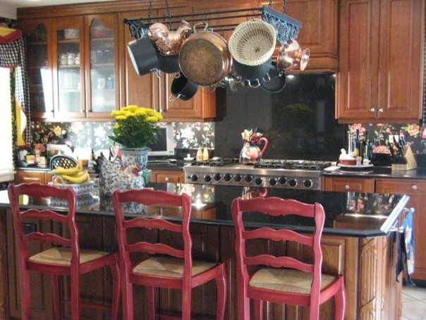 Interior Designer/Owner traditional-kitchen