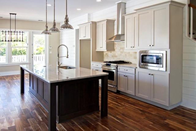 Interiors kitchen traditional kitchen jacksonville for Kitchen cabinets jacksonville fl