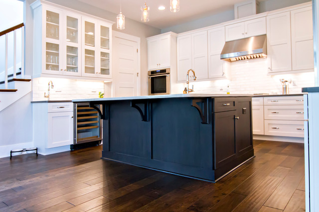 Interiors kitchen craftsman kitchen jacksonville for Coastal craftsman interiors