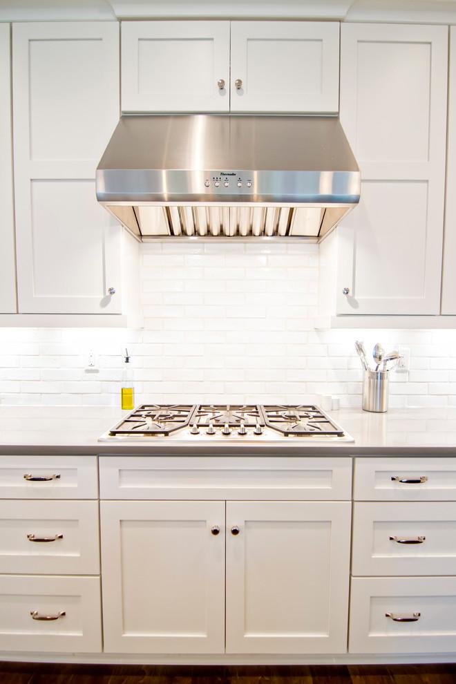 Immagine di una cucina stile marino