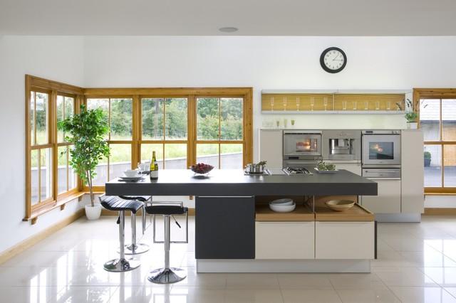irish country home contemporain cuisine atlanta par poggenpohl atlanta. Black Bedroom Furniture Sets. Home Design Ideas
