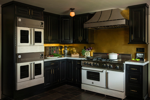 Do You Choose a Professional Range or Wall Oven and Cooktop?