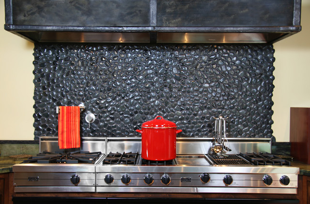 Island Stone medan charcoal perfect pebble backsplash ...