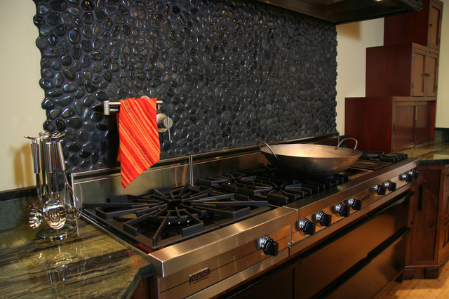 Island Stone Medan Charcoal Perfect Pebble Backsplash Modern Kitchen