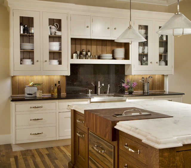 Island View Traditional Kitchen
