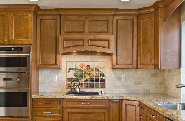 italian kitchen backsplash design idea - mediterranean - kitchen