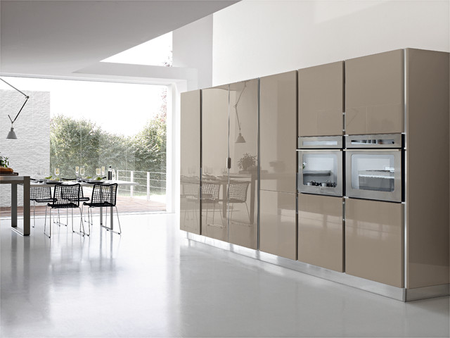 Italian kitchens replay modern kitchen miami for Modern italian kitchen