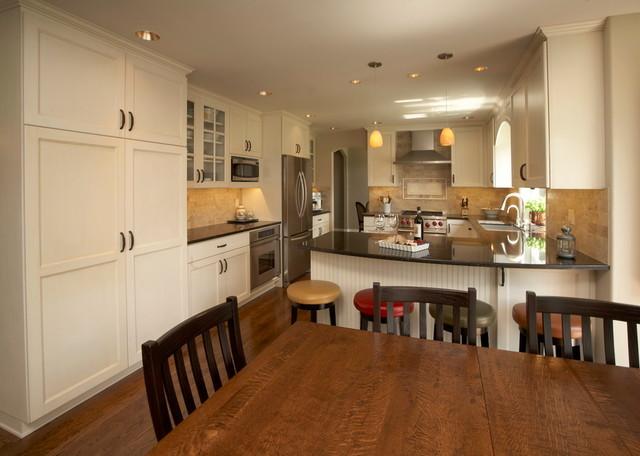Italian villa style kitchen mediterranean kitchen for Italian street kitchen