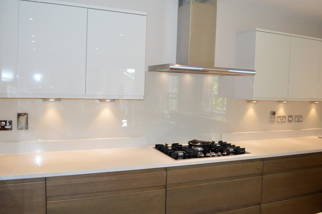 Quot Ivory Palace Quot Dulux Colour Glass Kitchen Splashback