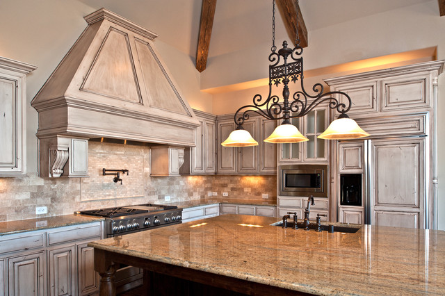 James Hurt With Joseph Paul Homes traditional-kitchen