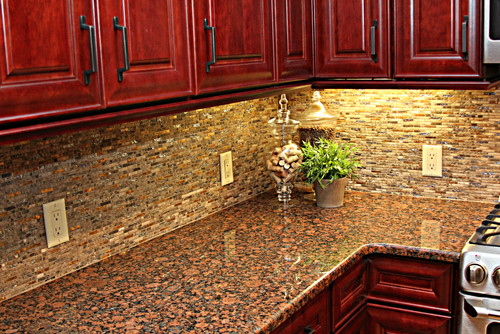Why Would You Choose Such A Busy Backsplash With A Busy