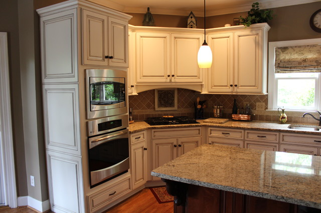 Job Pictures Traditional Kitchen Birmingham By Cabinet Cures Of Birmingham