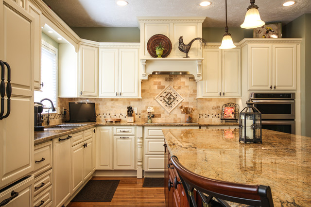 ... Jans Kitchen - Traditional - Kitchen - detroit - by Dream Kitchens