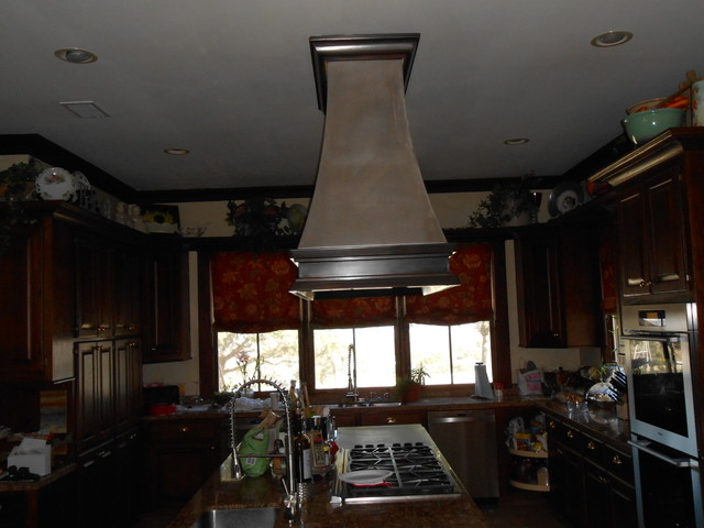 Johns Rd Boerne Texas traditional-kitchen