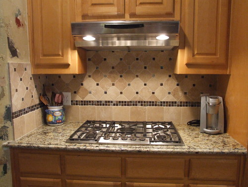what tile and border are used for the bottom portion of ...