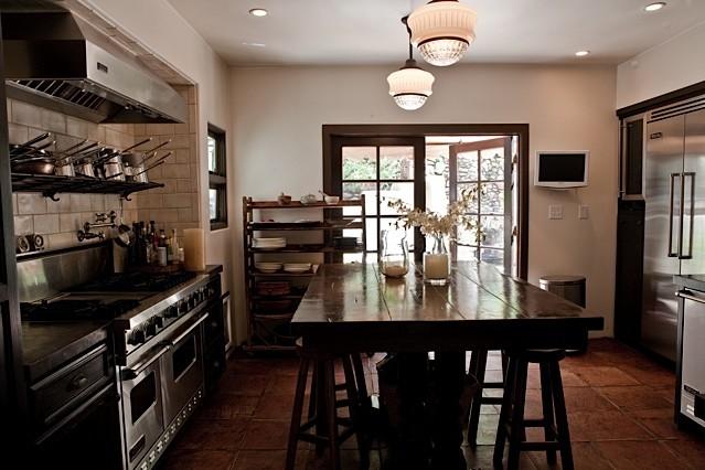 jovenita traditional-kitchen