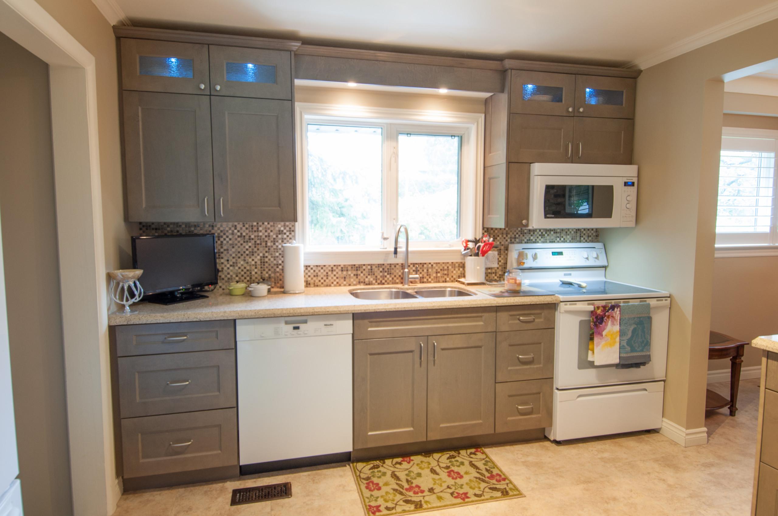 Joyce Transitional Kitchen