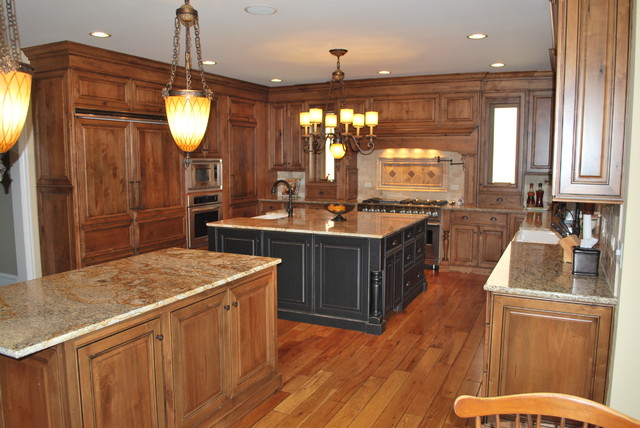 Julian-Naperville traditional-kitchen