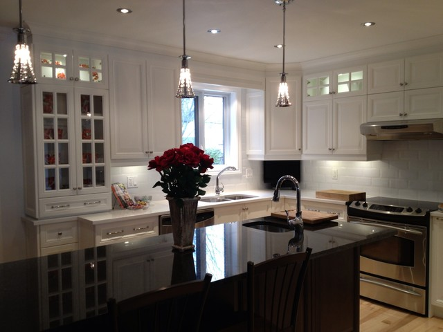 Julie 39 s kitchen after contemporary kitchen for Armoires de cuisine montreal