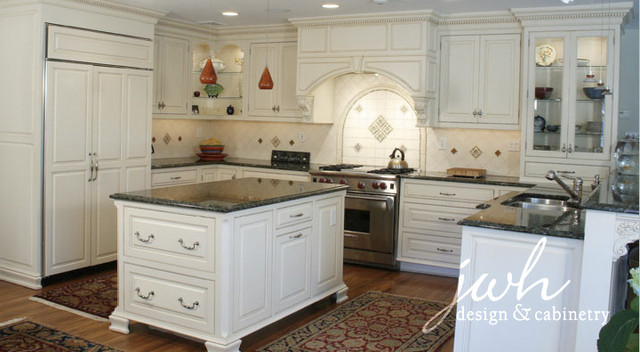 JWH Custom Kitchen Cabinetry traditional-kitchen