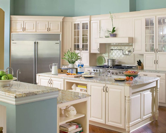 KabinetKing-Waypoint Cabinetry - KabinetKing-Style 610D in Maple Cream Glaze