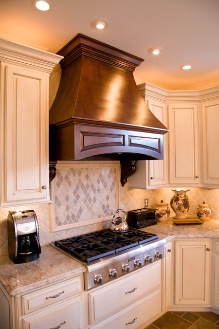 Kashmir gold granite kitchen traditional kitchen for Kitchen designs in kashmir