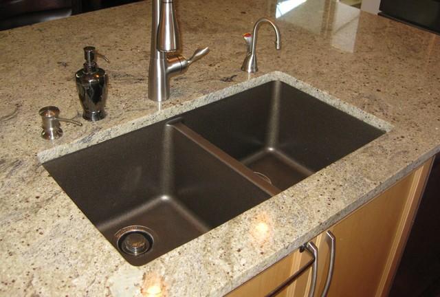 Kashmir White Granite (2) Kitchen