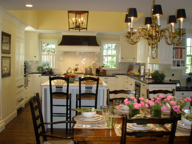 Kathleen Burke Design traditional kitchen