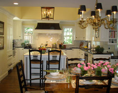 Kathleen Burke Design traditional-kitchen