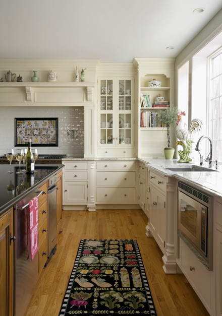 Kealler White Kitchen North Andover Massachusetts traditional-kitchen