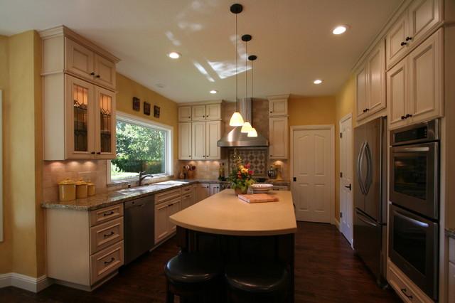 Keeler Kitchen traditional-kitchen